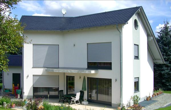 website weis bauunternehmen in plauen vogtland eigenheim mit satteldach. Black Bedroom Furniture Sets. Home Design Ideas